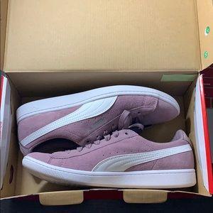 Brand new PUMA ladies shoes. Color: Elderberry